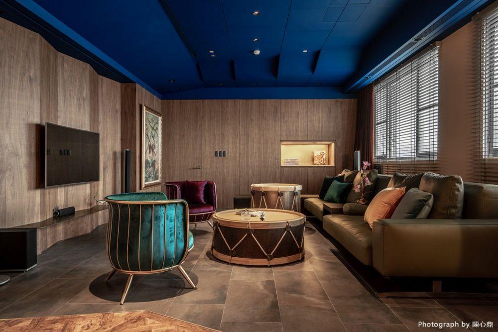 濃烈元素的衝突與碰撞,Drama系45坪輕奢華的家