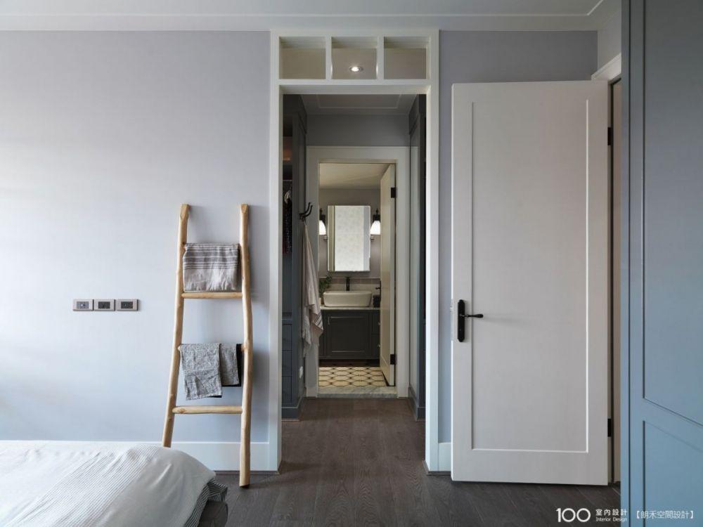 善用垂直收納法,浴室空間立刻大一倍