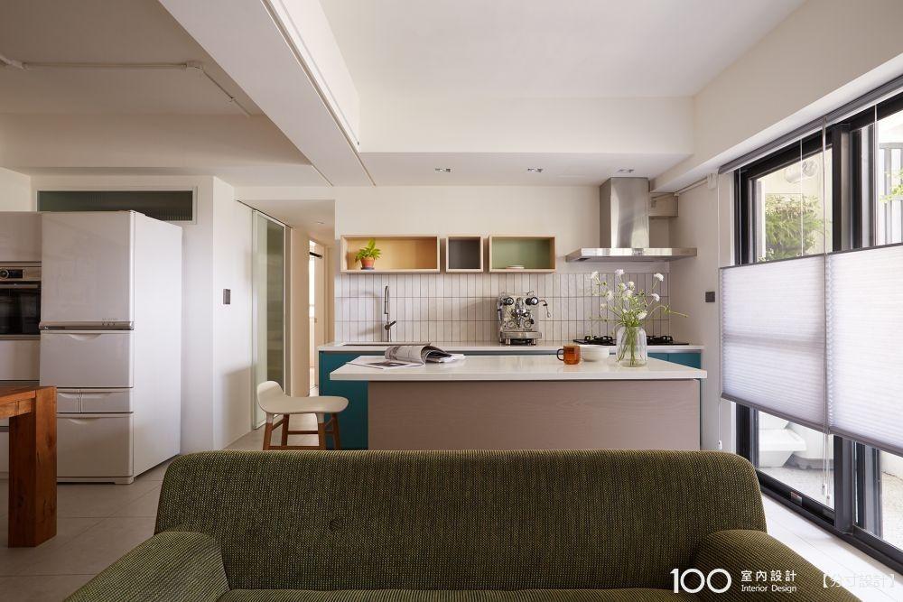 換組廚房配色,從此家裡氛圍更舒適