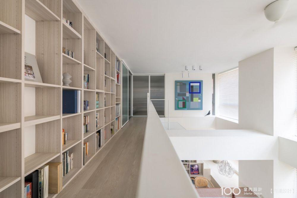 陽光穿透、階梯串聯,21坪單身宅亮敞又舒適