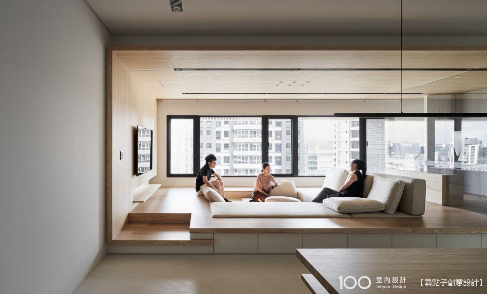 不放沙發,客廳這樣配置不但寬敞而且好好坐