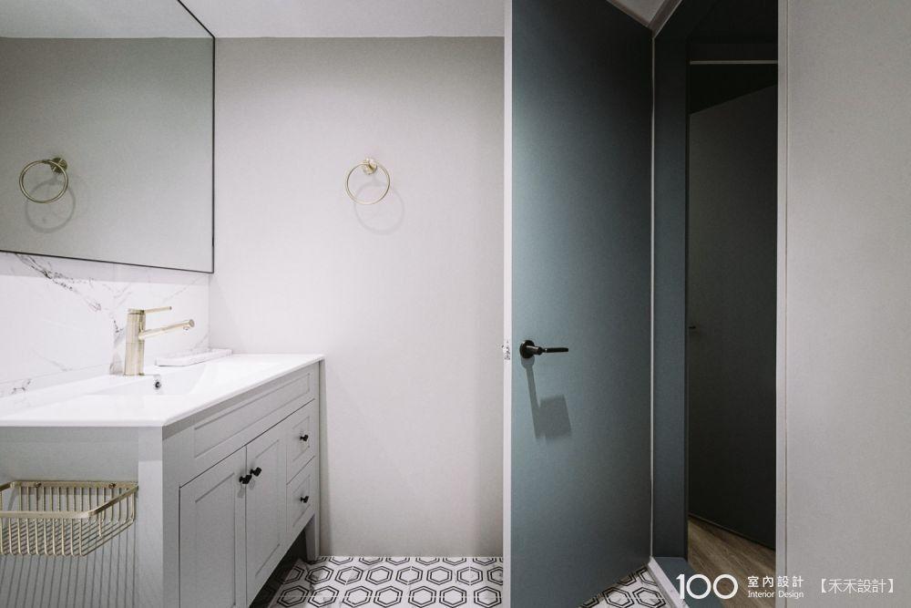 這「門」學問大!4種浴室門片材質比一比