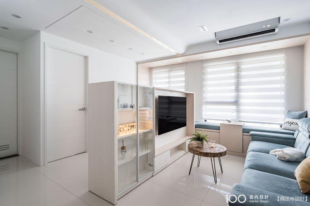 試試變形金鋼櫃吧!小坪數客廳空間、收納都翻倍的秘密