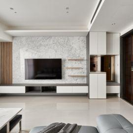 以涼謐石材帶入自然質氣,以溫潤木質織造悠然舒弛