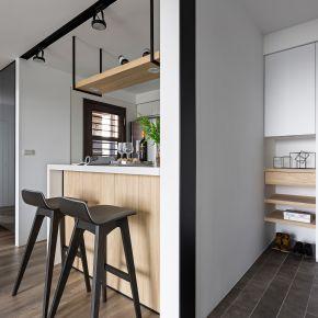 倒影浮現空間的質與靜 現代風 新成屋