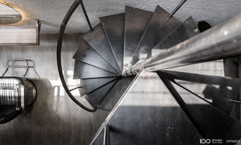 工業風樓梯