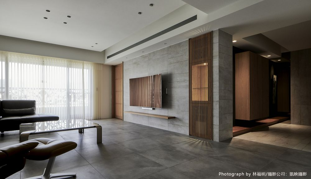 裸色低彩+無垢木美學,提煉日式精工質感宅