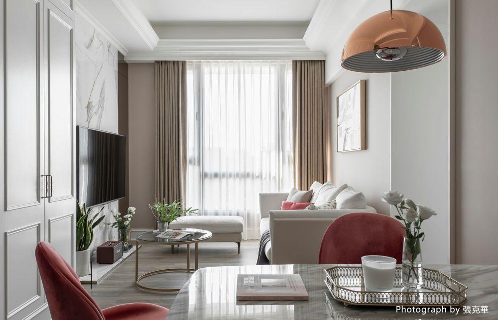 小坪數大空間的新婚宅,金屬點綴傢飾的都市微奢感
